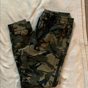 Camouflage jeans Men's Large.